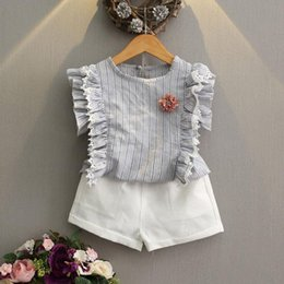 Short Tutu Blanc Pas Cher-2017 Summer Girls Set Baby Kids Flower Ruffles Tops manches courtes Tshirt + Shorts blancs 2pcs Outfits pour enfants Girl Clothing Suit Grey Pink