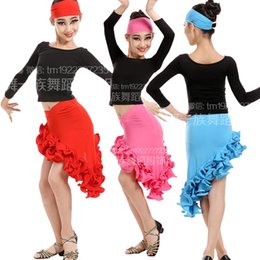 Barato Vestidos De Dança Rumba Mangas-Red Blue Children Latin Salsa Vestido de danças Long Sleeve Rumba Stage Costume Cheap Girls Latin Competition Dancing Wear Dress For Kids