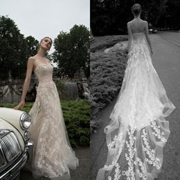 Barato Champanhe Vestido De Noiva De Laço Sem Alças-Inbal Dror 2017 Spring Country Champagne Vestidos de casamento Strapless Tulle Sweep Train Appliqued Lace Bridal Gowns Custom Made