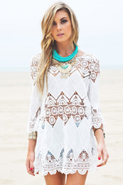 Barato Rendas Chiffon Tops Vestidos-Beach Bikini Cover Up Swimsuit Lace Hollow Crochet 3/4 Sleeve Women Tops Swimwear Beach Dress White Beach Tunic Shirt 2506099