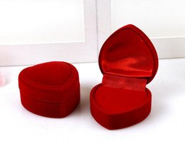 $enCountryForm.capitalKeyWord NZ - Mini Cute Red Carrying Foldable Case Display Jewelry Box Packaging Durable Red Heart Shaped Lid Open Velvet Ring Box GA37