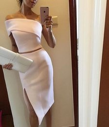 Tenue De Bal De Deux Pièces Pas Cher-Unique One Shoulder White Midi Robe de cocktail à deux pièces Women Stylish Slit Formal Events Outfits Short Mermaid Prom Robes formelles d'occasion