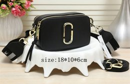 Ship handbagS europe online shopping - Single shoulder bag fashion new small bread in Europe and the best selling handbag high quality Italian brand package