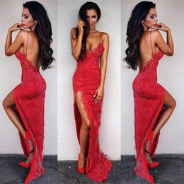 Robes Rouges Robes De Soirée Pas Cher-Sexy Red Lace 2017 Robes de bal Mermaid Spaghetti Straps Sexy Backless Front Split Floor Length Robes de soirée Arabic BA2871