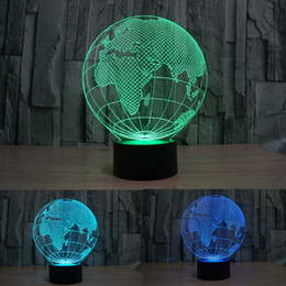 Barato Cabo Europeu Por Atacado-Atacado- Colorful Lampe 3D Lampe Optical Illusion LED 3D Globo Europeu Forma Luminaria Night Light Com Cabo USB Lâmpada de Mesa Terrestre