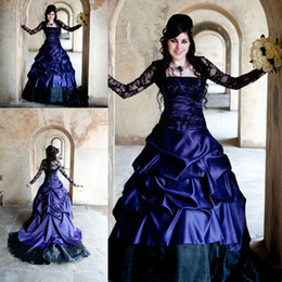 $enCountryForm.capitalKeyWord Canada - Stunning Purple Gothic country Wedding Dresses Offbeat Alternative French Pickups Court Train black lace robe mariage bridal gown