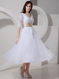 short simple modest white dresses Australia - Vintage Tea Length Short Modest Wedding Dresses With Half Sleeves V Neck Appliques Tulle Bridal Gowns With Champagne Colored Belt