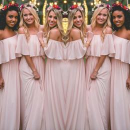 Dernières robes de demoiselle d'honneur de style bohème rose blush sexy froncé d'épaule en mousseline de soie longues robes de bal Cheap jolie robe de soirée pour les mariages