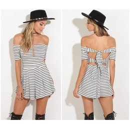 Barato Bandagem De Saia Pregueada-Verão Casual Vestidos Off Shoulder Dress Sexy Backless Bandage manga curta Elastic Stripes plissadas Skirt Dress