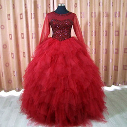 Barato Lilás Vestido De Baile De Cristal-Luxo Borgonha Dark Red Quinceanera Vestidos Sheer Neck Long Sleeve Crystals Top Ruffles Saia Corset Ball Gown Prom Dress Vestido formal