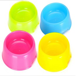 La plastica del cane di animale domestico sacchetti di cane dell'alimentatore del cane della ciotola di Bowling Fornisce le forniture dell'animale domestico dell'acqua Bowling Trasporto libero