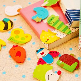 Cute Animal Magnets Canada - Free shipping (12pcs lot) Cute painted wooden Cartoon Animal fridge magnets whiteboard sticker Refrigerator Magnets Kids gift