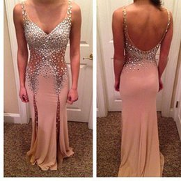 Barato Os Rhinestones Vêem Por Vestidos-Sexy V Neck Backless Prom Dresses Beaded Rhinestone Long See Through Nude Long Chiffon Evening Gowns
