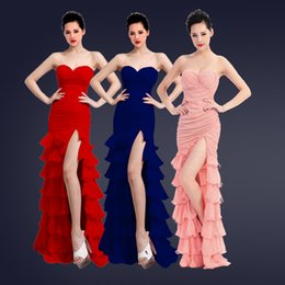 Baile Largo Vestido Caliente Baratos-Vestidos de dama de honor largos de la boda Strappless Backless Ruffle Split Side Negro Rojo Azul Pink Evening desgaste caliente formal Cocktail Dance Party Dress