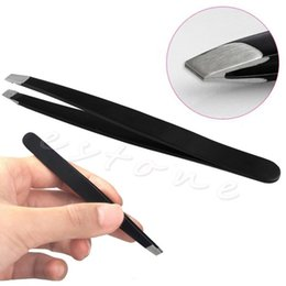 Barato Pinça De Sobrancelha Inclinada-Atacado- Black Blackbrow Tweezers Hair Beauty Slanted Stainless Steel Tweezer Tool