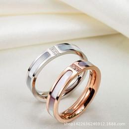 26383b4d9ef0 El nuevo comercio exterior son tres anillos de diamante chapados 18K oro  rosa anillo de dedo al por mayor titanio barato
