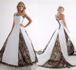 Unique Champagne Wedding Dresses Canada - Unique 2017 Camo Wedding Dresses A Line Halter Neck Lace Appliques Plus Size Vestidos De Novia Country Camouflage Bridal Wedding Gowns