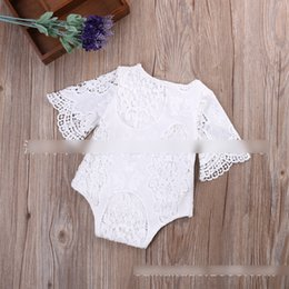 Barato Um Macacão De Manga Branca-New Toddler Clothing Baby Rompers Jumpsuit Girls Onesie Girl Lace Solid Bonito Romper Bat-wing Manga Rompers De uma peça branca A6093