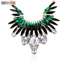 $enCountryForm.capitalKeyWord NZ - Crystal Long Choker Necklace Lovely Gold color chain Yellow Pink Green Rhinestone Pendants Necklaces Women Flower Collar Jewelry
