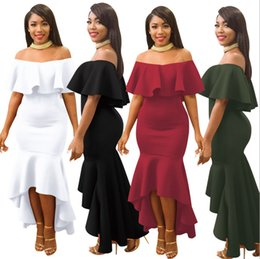 Robes De Mariée À Courte Flambée Pas Cher-Hi-Lo Asymétrique Ruffles Slash Neck Off-Shoulder Mermaid Robe Short Sleeve Hollow Out Backless Ankle-Length Robe Femme Flare Robe de mariée