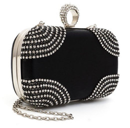 China Fashion Lovely 2017 Ring rhinestone women bag clutch bags black gold silver cosmetics case small purse bag for wedding party diner supplier ring style japan suppliers
