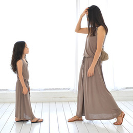 Spring Fashion Looks Canada - Mother and Girl Long vest dress solid color sundress maxiskit Fashion simple style dress outfits beach dress family matching look