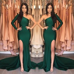 Barato Vestido Verde Escuro De Manga-2017 Dark Green Sexy Mermaid Prom Vestidos Um ombro Manga comprida High Side Split Court Train Vestidos formidáveis ​​da noite Evening Custom