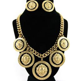 Großhandel Mode Europa und die Vereinigten Staaten übertrieben hochwertige Legierung Löwenkopf Anhänger weiblichen Ohrringe Halskette Anzug