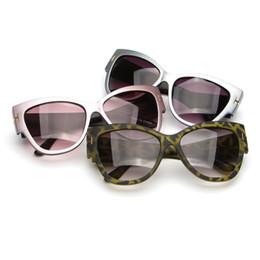 f9eae33522 2017 Hot 100pcs Womens and Mens Most Cheap Modern Beach Sunglass Plastic  Classic Style Sunglasses 9 color
