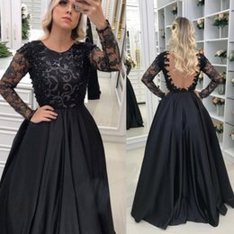 Barato Vestido Preto Longo Grânulo Rendas-Long Sleeve Black Evening Dresses Sheer Backless Lace Appliqued Beads Formal Prom Gowns Plus Size Party Dress