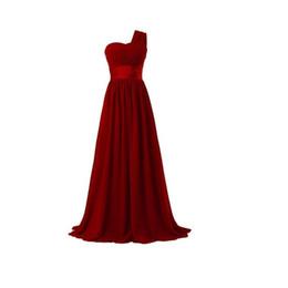 af1286dd8 Barato 2017 vestidos de fiesta Venta Caliente Un Hombro Vestidos de Dama de  Honor de Gasa Largos Negro   Rojo   Rosa Vestidos de Fiesta robe de soirée