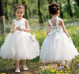 Barato Desgaste Formal Do Comprimento Do Chá-Cute White Ivory Tea Length Flower Girl Vestidos Cute Tulle Sleeveless Kids Formal Wear First Communion Vestidos para Summer Garden Weddings
