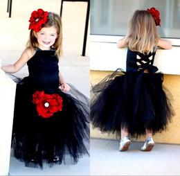 $enCountryForm.capitalKeyWord Canada - 2017 Cute Black Flower Girls Dresses for Weddings With Red Flower Pretty Formal Girls Gowns Puffy Tulle Pageant Wedding Party Dresses MC0192