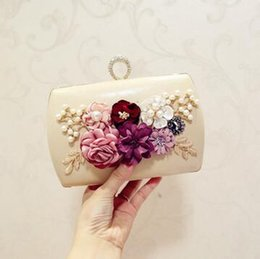 stereoscopic bag 2019 - sales handbag factory elegant delicate stereoscopic flower woman hand bag fashion set auger dinner packages High quality