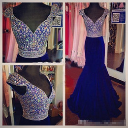 Beaded Mermaid Prom Pageant Dress Canada - Vintage Plus Size Mermaid Formal Evening Event Dresses 2016 V Neck Royal Blue Velvet Long Crystal Beaded Sweep Train Prom Pageant Party Gown