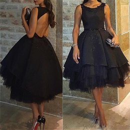 Barato Manto Preto-Sexy Black Tiered Backess Prom Dresses Robe De Soiree Appliqued Tulle e Stain Tea-Length Short Evening Cocktail Party Gown