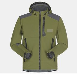 Barato Casacos Homens Xl-Wholesale-Men Impermeável Respirável Softshell Jacket Homens Outdoors Sports Coats Mulheres Ski Caminhadas Windproof Winter Outwear Soft Shell casaco