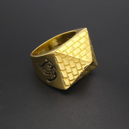 Discount metal pyramid Men Punk Egyptian Pyramid Ring Fashion Hip hop Jewelry Gold Color Charm Alloy Metal Rings Women