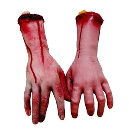 Großhandel Blutige Halloween Terror Hände Halloween Horror Requisiten Hand Spukhaus Party Dekoration Narren Requisiten MOQ: 2PCS