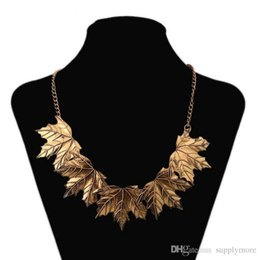 $enCountryForm.capitalKeyWord Canada - Vintage Maple Leaf Pendant Necklaces Women Maxi Alloy Clavicle Necklace Plated Gold Sweater Chains New Fashion Jewelry Statement