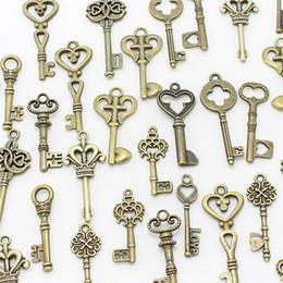 $enCountryForm.capitalKeyWord Canada - Sweet Bell Mixed 40pcs lot small Keys charms Vintage bronze Metal Zinc Alloy Fine Trendy Mixed Pendant Charms Making D1089