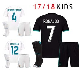 2017 KIDS Soccer Jersey Real Madrid 17 18 Boy Children Youth Cristiano  Ronaldo Sergio Ramos Modric Kroos Football Shirt Marcelo Camiseta 282c07d15