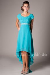 Barato Vestidos Modestos Da Dama De Honra De Turquesa-Turquoise Teal High Low Chiffon Beach Modest Vestidos de dama de honra Mangas curtas Frente curto Long Back Back Wedding Dress Robes Custom Made