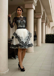 $enCountryForm.capitalKeyWord NZ - New Gothic Black And White Long Sleeves Vintage Lace Short Wedding Dresses High Neck Bridal Gowns Vestidos De Novia Colorful