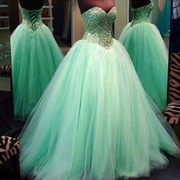 Robe Cristallins Menthe Pas Cher-Monnaie Quinceanera Robes pour 2017 Robes de bal Luxe Perlés Cristaux Bodice Lace-up Retour Soft Tulle Puffy Prom Party Gowns Custom Made