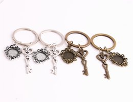 $enCountryForm.capitalKeyWord NZ - SWEET BELL 3pcs lot Metal Alloy Zinc Key Chain Fit Round 12.5mm Cabochon Base Love Heart Key Charm Pendant Jewelry Making C0902