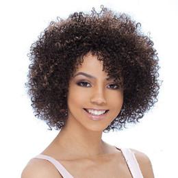 Venta al por mayor de Xiu Zhi Mei Afro Kinky Rizado Pelucas para Negro Mujeres Marrón Pelucas Harajuku Peluca Drag Queen Pelucas sintéticas resistentes al calor Melanie Martine