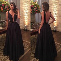 Barato Vestidos De Noite Chiffon-Sexy Deep V-Neck Black Prom Dresses Long Women Night Party Dress Vestido De Baile 2017 Open Back Vestidos de noite formais com Pearls Belt