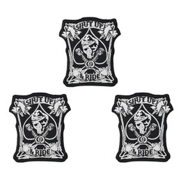$enCountryForm.capitalKeyWord UK - 1PCS Punk Shut up Skull Patches for Motor Clothing Iron on Transfer Applique Patch for Garment Jacket DIY Sew on Embroidery Badge