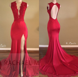 Deep V Formal Pas Cher-Robes de bal rouge 2017 Deep V-cou Sweep Train Piping Side Split modernes longue jupe Backless Robes de soirée formelle robe Pageant